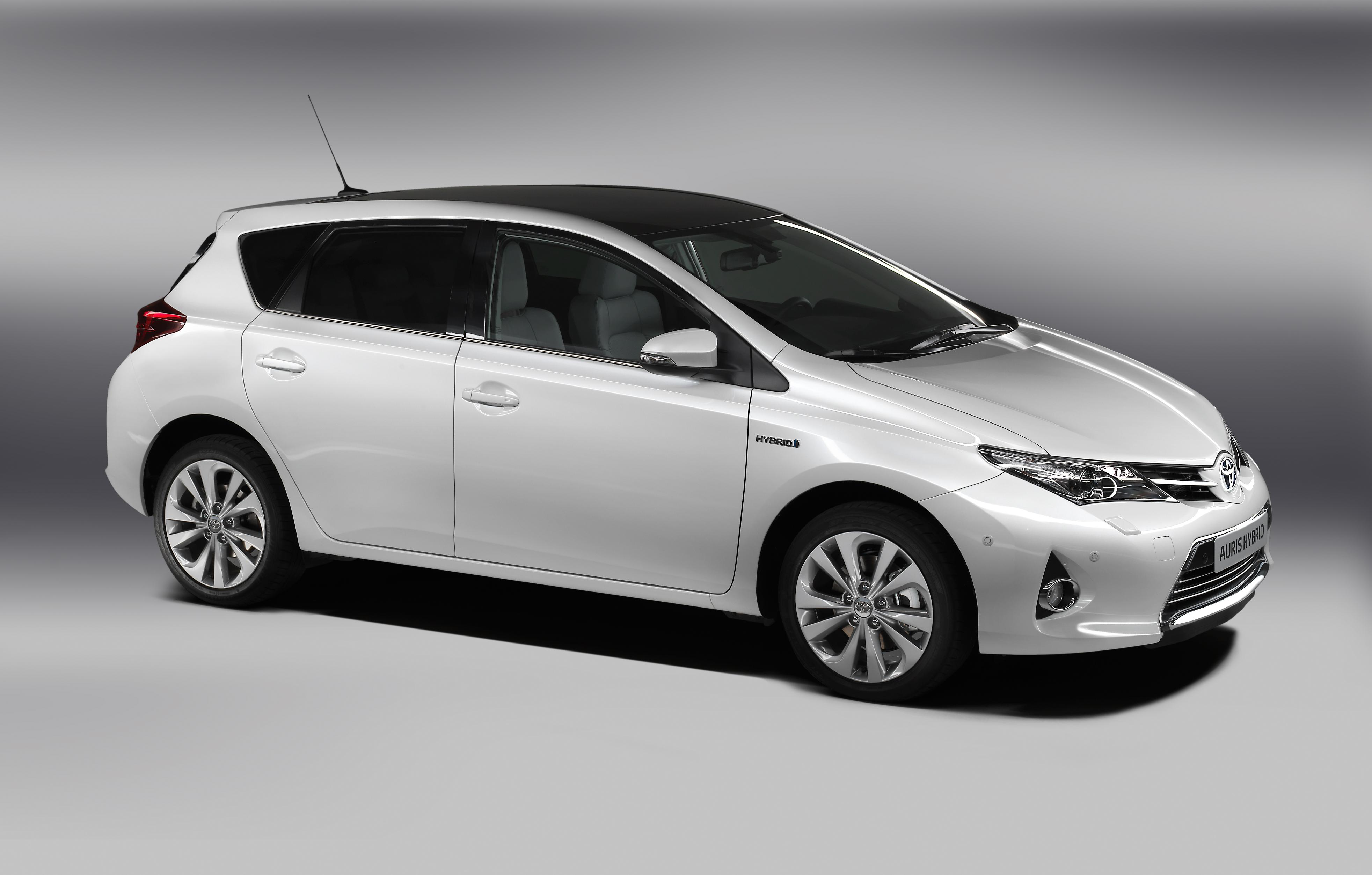 the new toyota auris. Black Bedroom Furniture Sets. Home Design Ideas