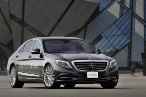 Go green with the Mercedes-Benz S 300 BlueTEC HYBRID