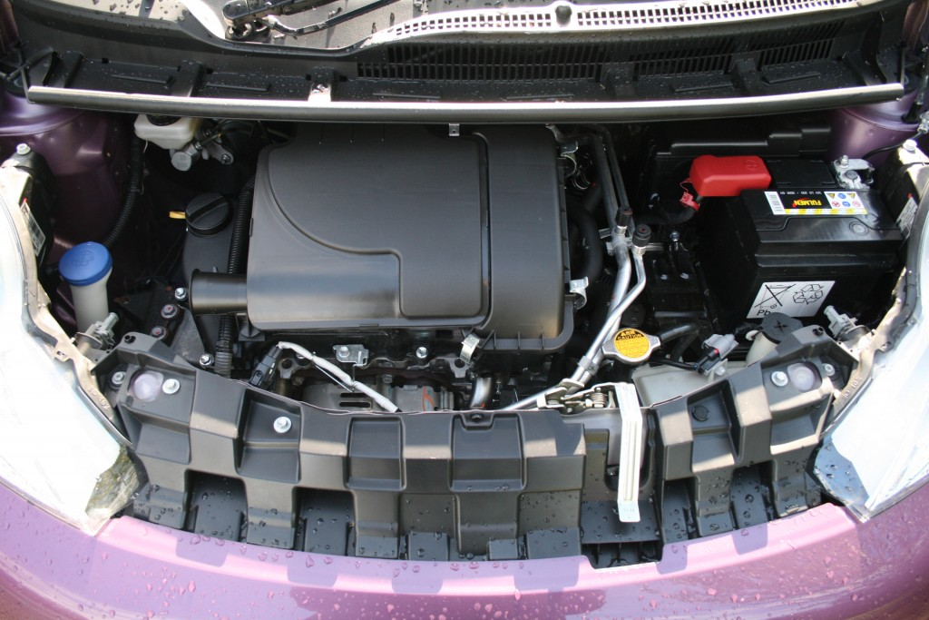Engine of the Peugeot 107