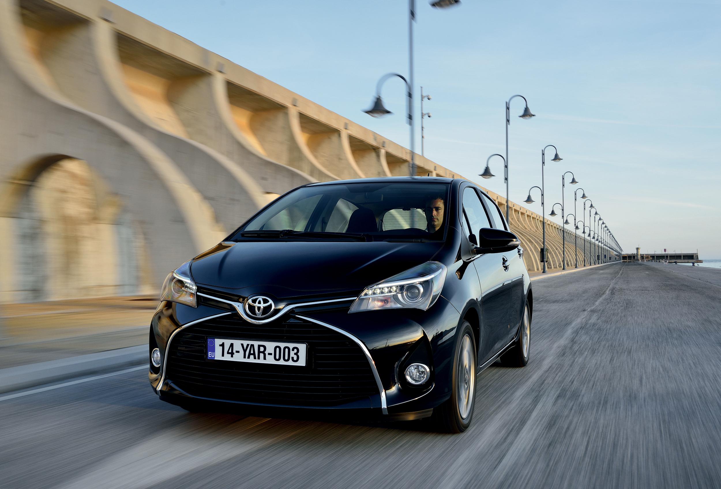 Kelebihan Kekurangan Toyota Yaris 2014 Perbandingan Harga