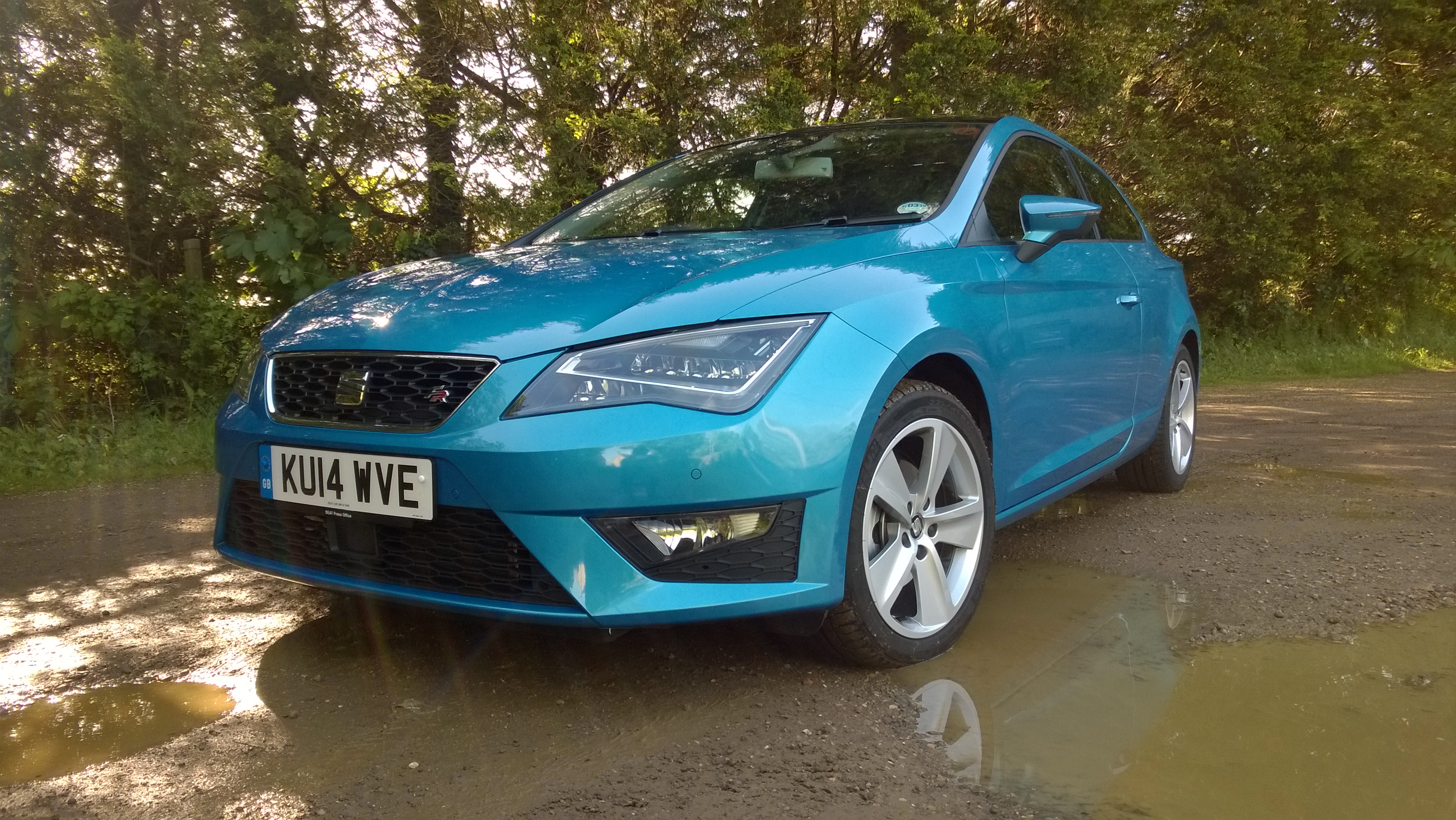 seat leon fr full on the road review. Black Bedroom Furniture Sets. Home Design Ideas