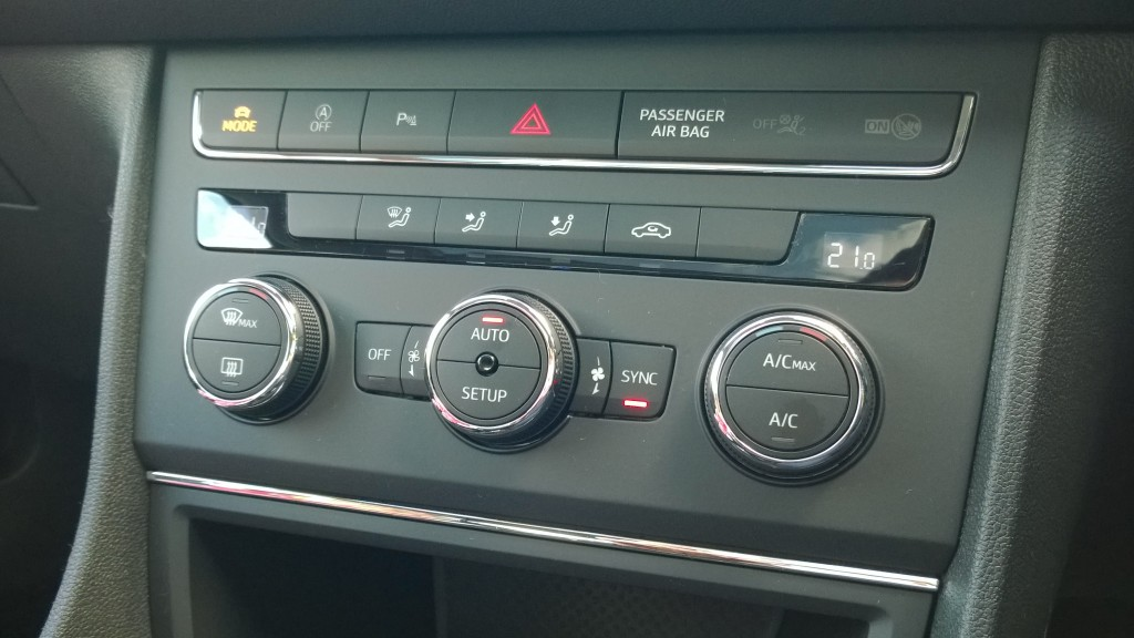 SEAT Leon FR review: control panel