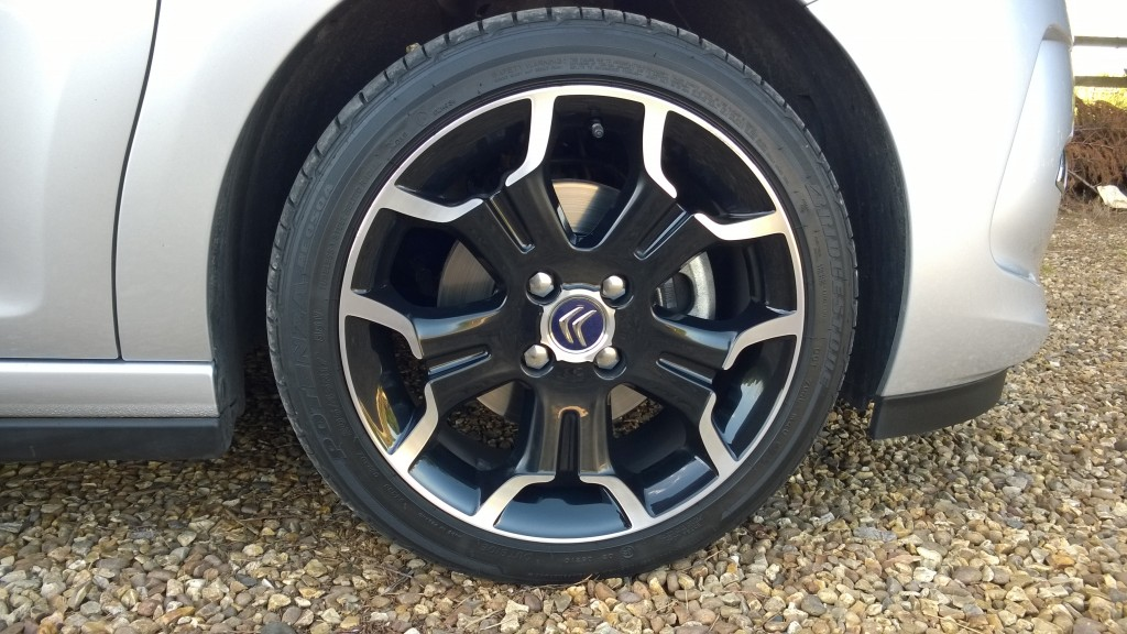Alloy wheel detail on the DS3
