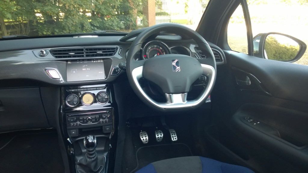 Driver's environment in the DS3