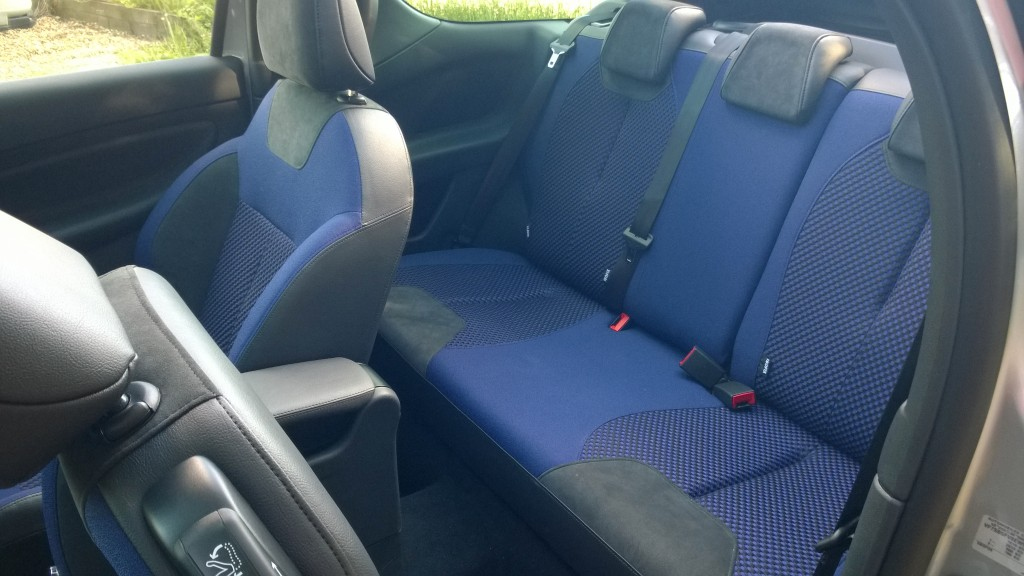DS3 showing rear seat access