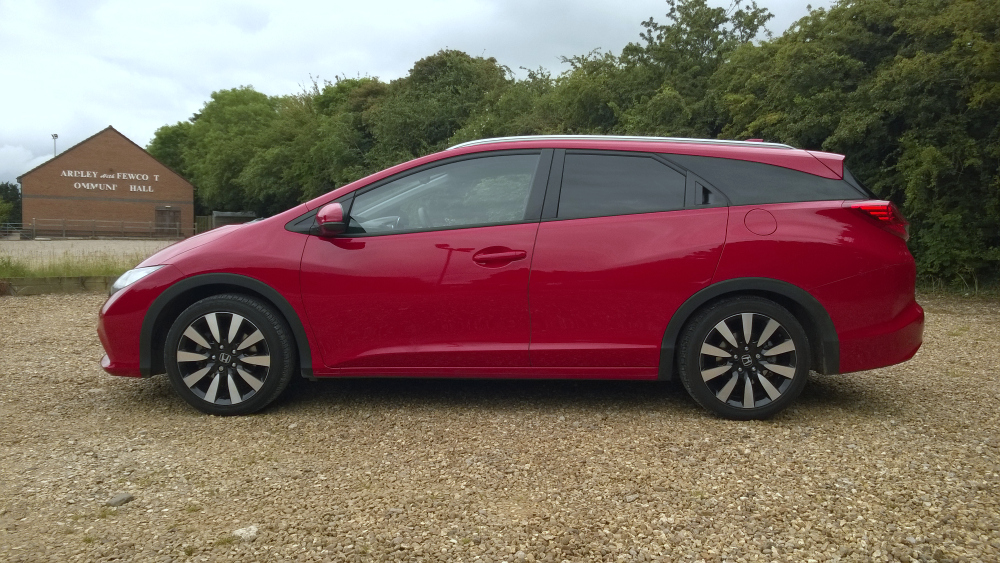 Honda Civic Tourer reviewed by FVL