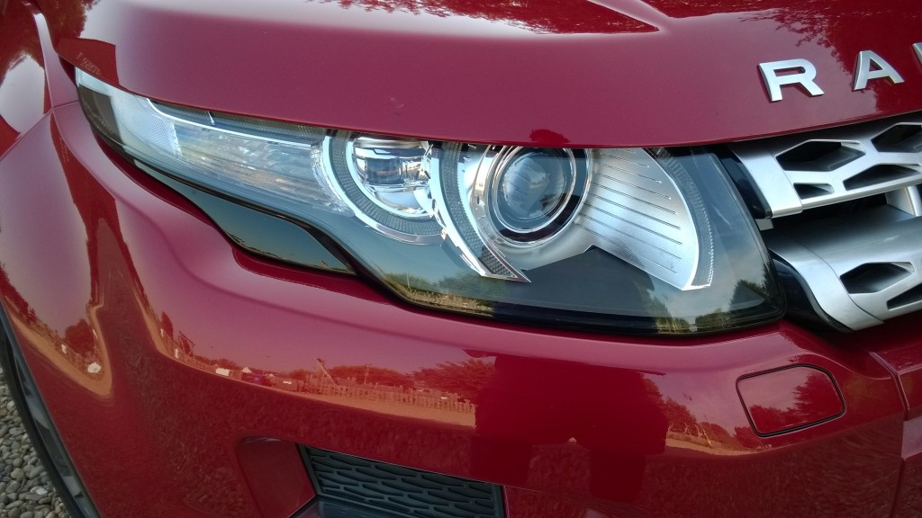 Front headlight detail of the Evoque