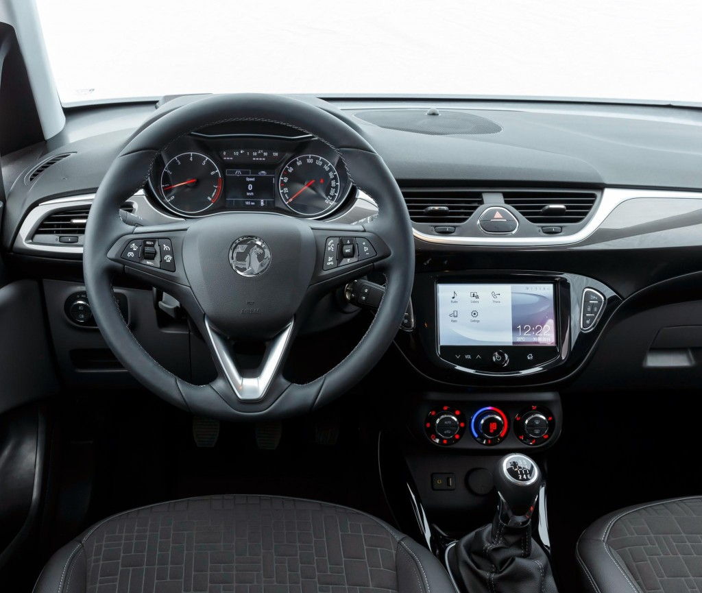 Fourth-generation Corsa: driver controls and equipment