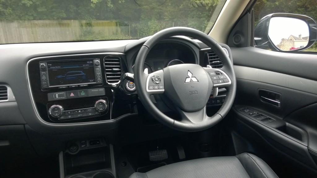 Mitsubishi Outlander PHEV Driver's Environment
