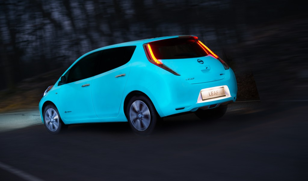 Nissan Leaf glows in the dark