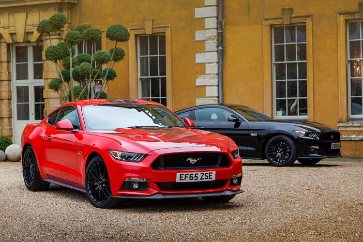 ford mustang reaches uk customers