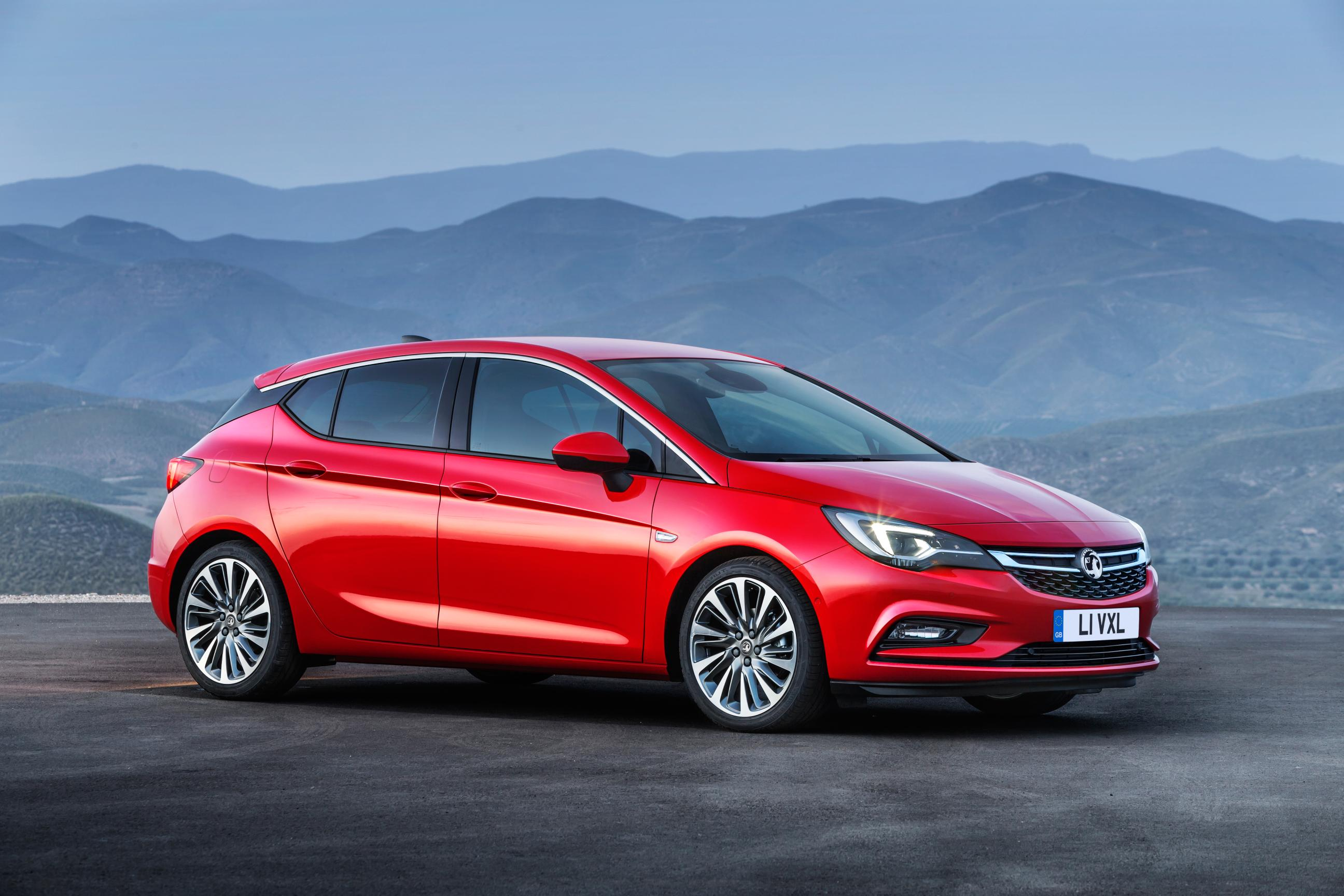 the vauxhall astra is car of the year 2016. Black Bedroom Furniture Sets. Home Design Ideas