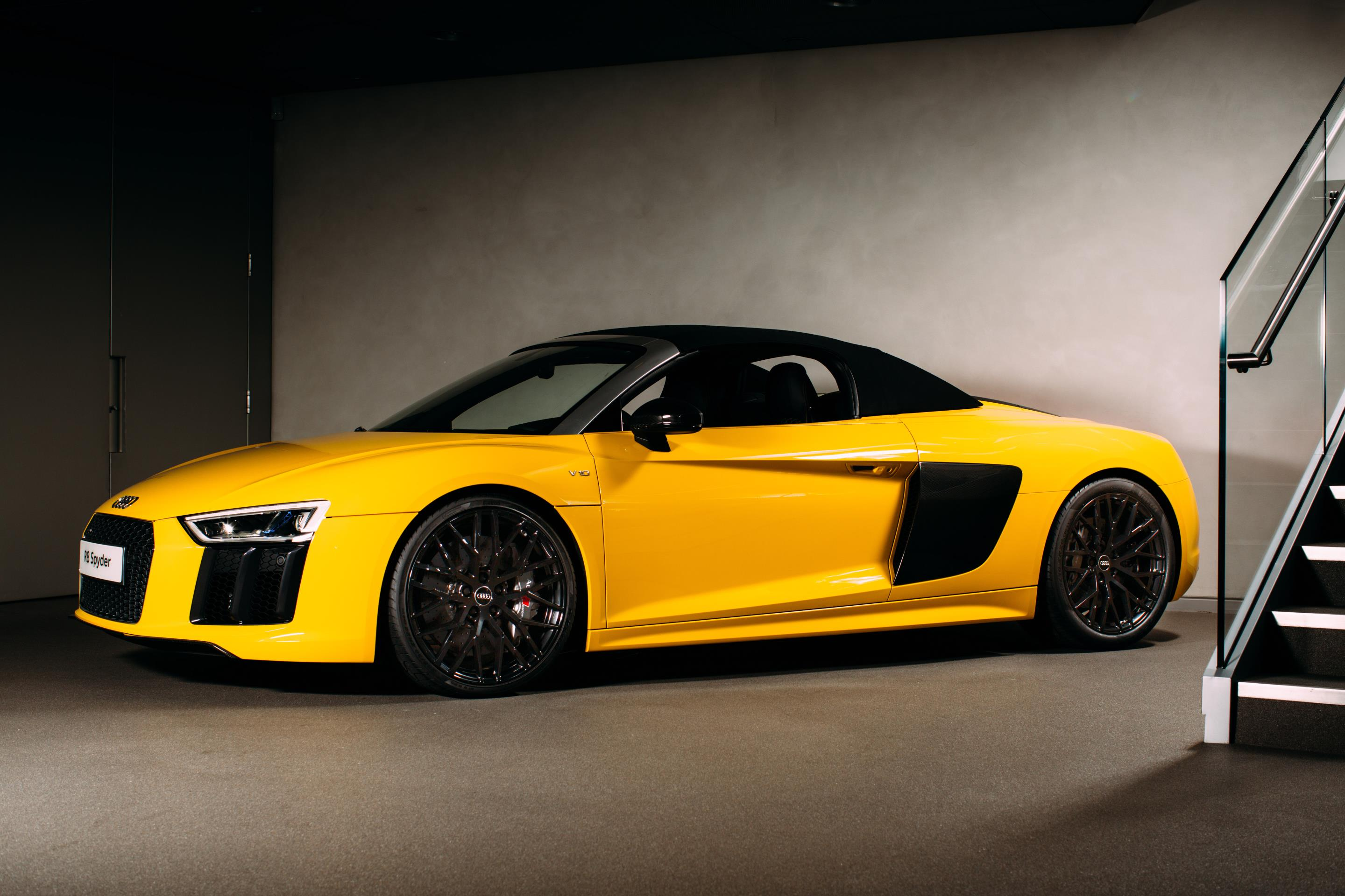 UK Debut For The Audi R Spyder - Audi r8 lease