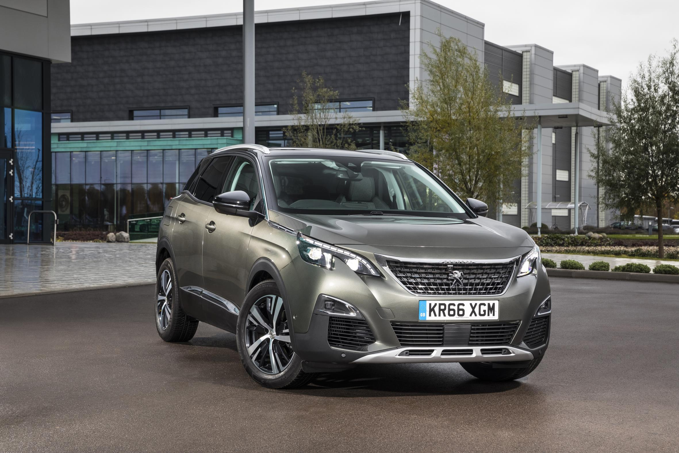 All-new Peugeot 3008 makes debut