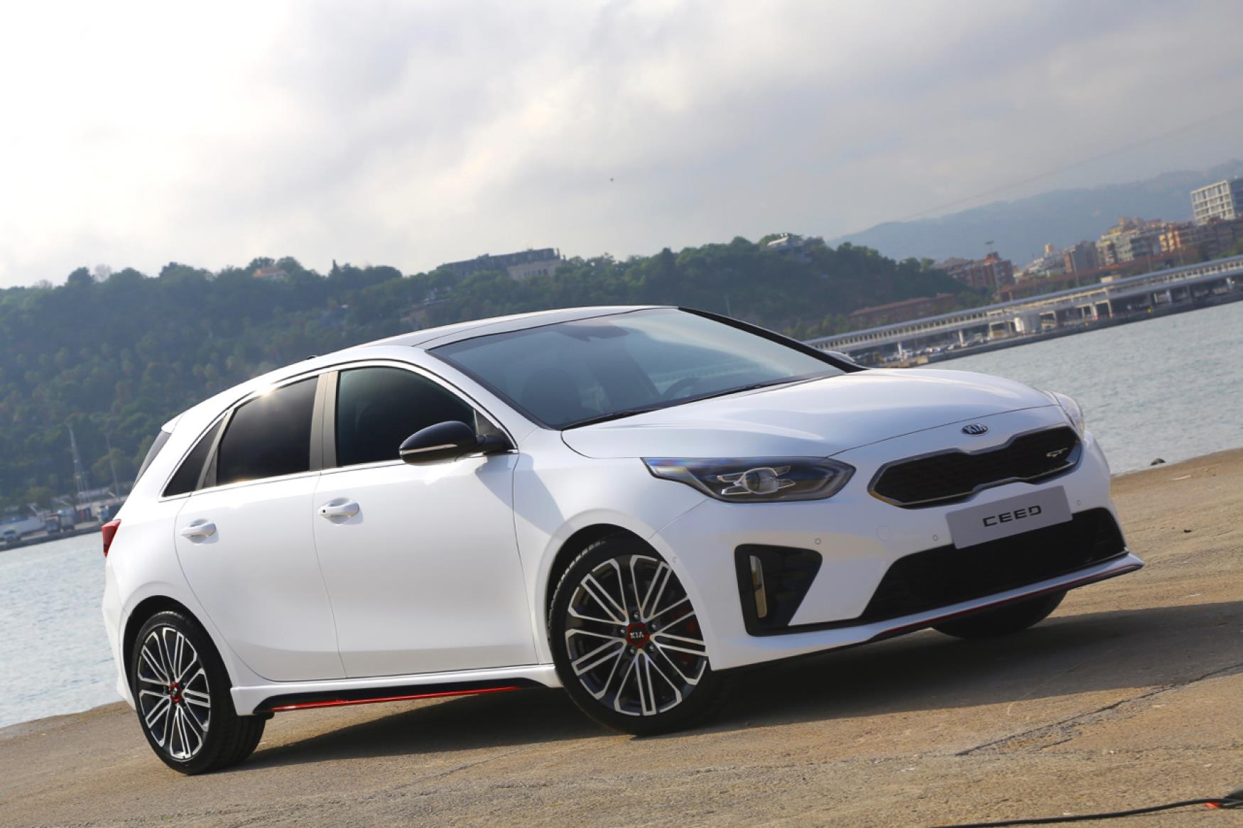 all new kia ceed gt and gt line unveiled. Black Bedroom Furniture Sets. Home Design Ideas