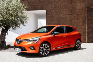 A new fifth-generation Renault Clio is heading to the UK.